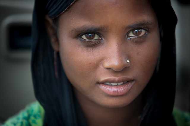 Inde: Rajasthan, jeune fille à Jaipur.