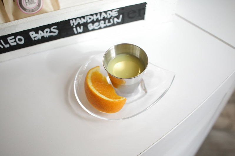 Lemon and ginger shot - bJuice Berlin