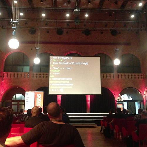 Wtfjs #gotoams a live terminal showing mad js