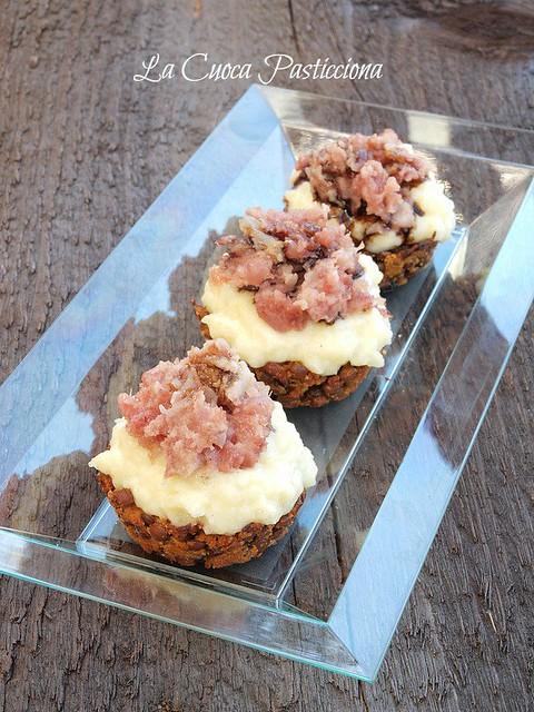 croccante di lenticchie con mousse soffice di purè, petali di cotechino e aceto balsamico tradizionale di Reggio Emilia