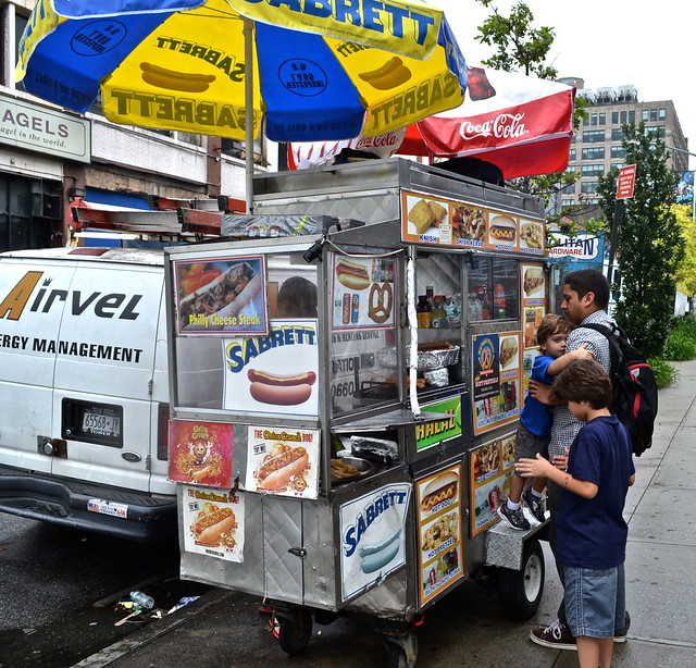 9257694335 2d55b686b9 z Street Food in NYC   What Are You in the Mood to Eat?