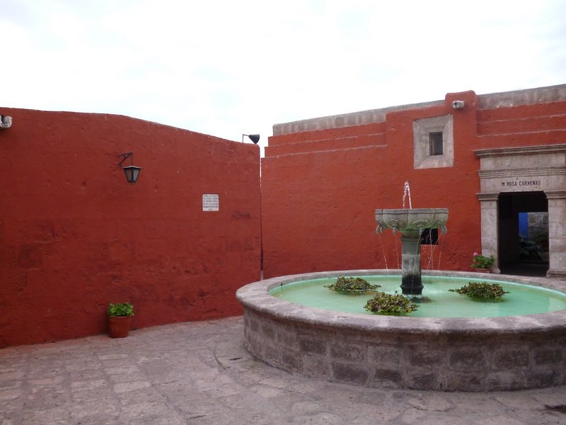 Fountain in Santa Catalina
