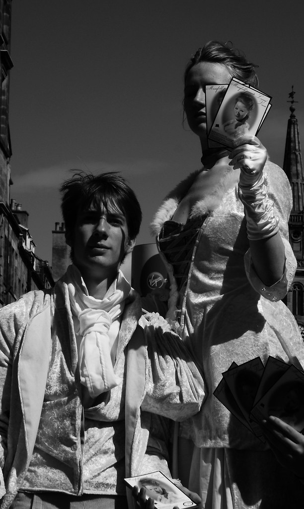 performers on the Mile 070