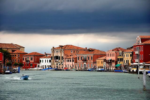 Canali di Venezia, temporale in vista