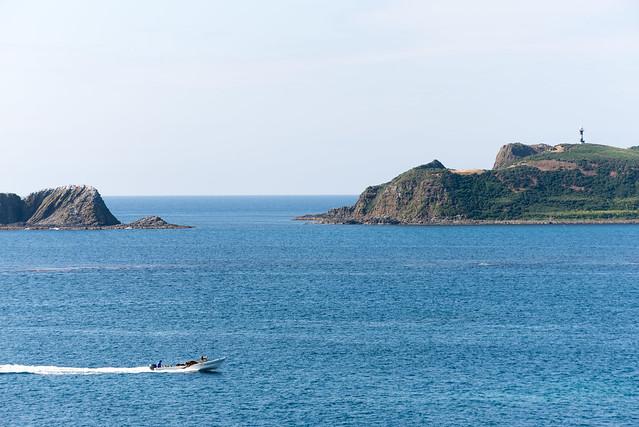 礼文島 愛とロマンの逆8時間コース スコトン岬から見た海驢島