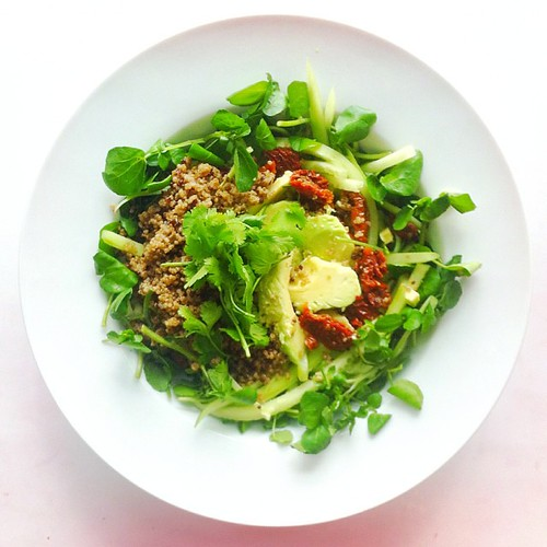 Quinoa week. Recipe n.5: watercress, red and white quinoa, cucumber noodles, sun dried tomatoes, coriander, avocado. Extra virgin olive oil, cider vinegar. #salad #salads #saladjam #saladlunch #veg #vegan #veggie #veganlunch #veganshare #vegetarian #healt