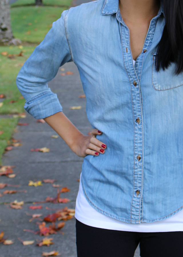 chambray shirt, urban outfitters, cute outfit, fall outfit ideas, red nails, black jeggings, sephora by opi