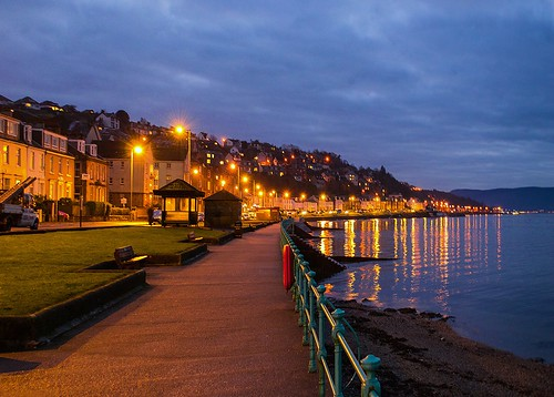 uk sea seascape reflection water night reflections landscape evening scotland colours cloudy streetlights escocia gourock schottland ecosse scozia nikond3200 2013 firthoftheclyde