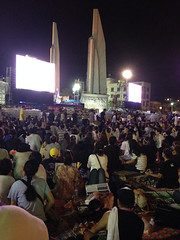Thai protests on Bangkok at the democracy monument