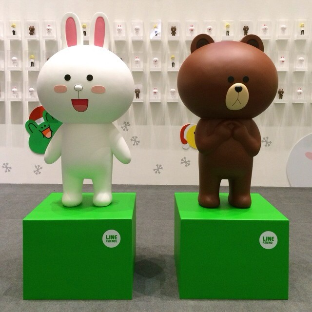 Come meet #Brown & #Cony from #LINE at #LINExmas 2013 in #TokyoStreet, #PavilionKL!  #LineMalaysia | #LINEme
