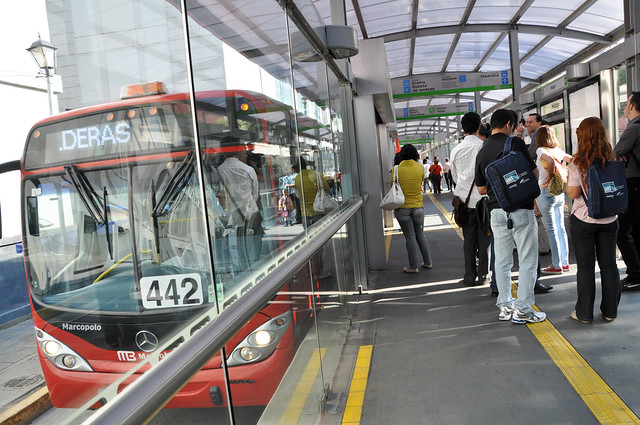 Bus Rapid Transit in Mexico City (courtesy of EMBARQ)