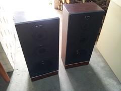 furniture(0.0), room(0.0), multimedia(0.0), loudspeaker(1.0), subwoofer(1.0),
