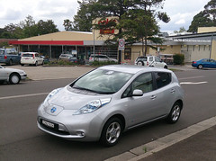automobile, sport utility vehicle, vehicle, nissan leaf, electric car, city car, nissan, land vehicle, hatchback,