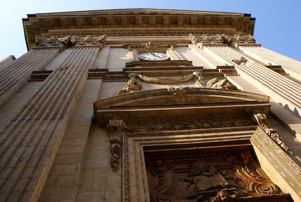 Façade de l'église Saint Polycarpe à Lyon sur les pentes de la Croix Rousse.