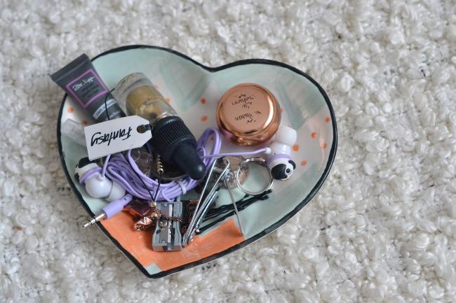 Daisybutter - UK Style and Fashion Blog: DIY heart dish, jewellery storage ideas, southampton pottery studio