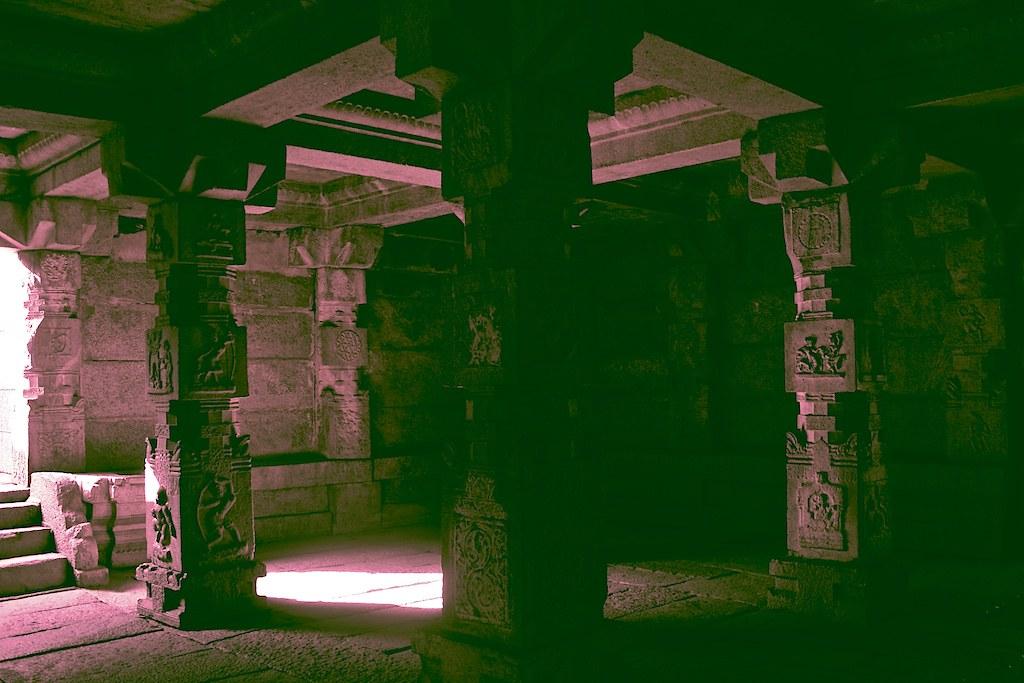 6555: Vitthala Temple Annexe, Hampi.