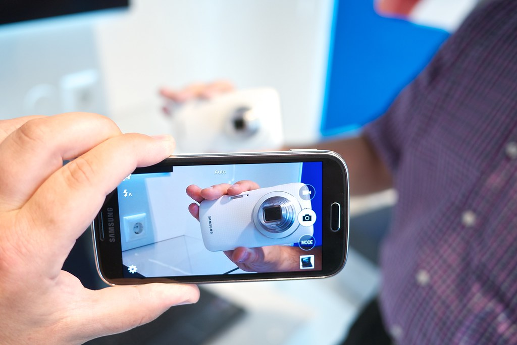 smartphone zoom