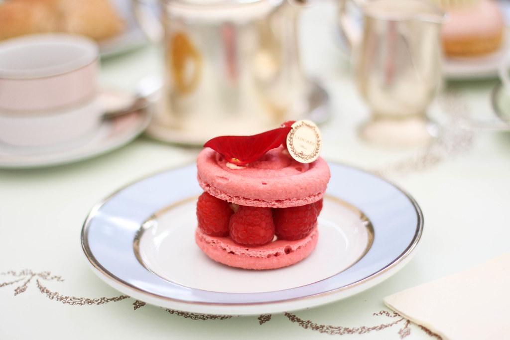 Laduree Champs Elysees-10.jpg