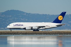 Lufthansa Airbus A-380 D-AIMB take-off SFO runway 28 DSC_0095