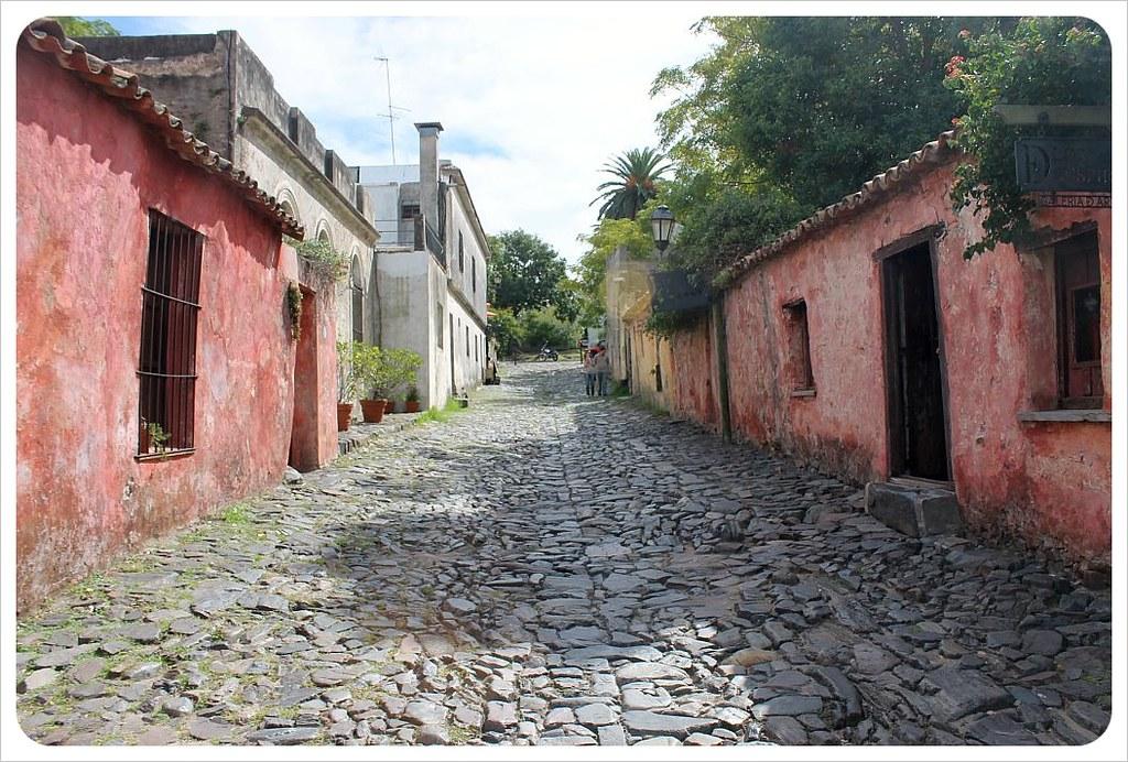 la calle de los suspiros colonia del sacramento