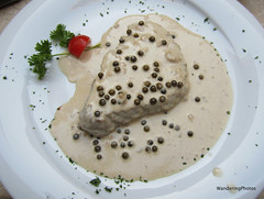 Filet Beef with Green peppercorn sauce