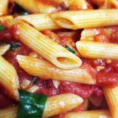 pasta, penne, pasta pomodoro, penne alla vodka, food, dish, carbonara, cuisine,