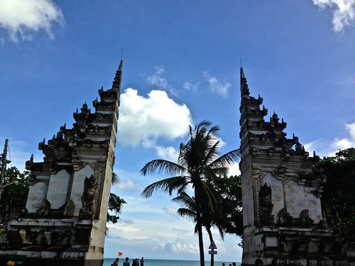 the gate to the beach in Kuta
