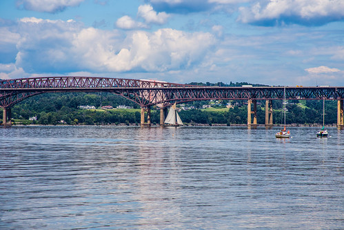 bridge blue sky water clouds sailboat river landscape us sailing hudsonriver serene hudsonrivervalley waterscape riverscape hamiltonfishnewburgh–beaconbridge