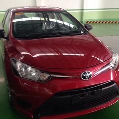 automobile(1.0), automotive exterior(1.0), toyota(1.0), vehicle(1.0), mid-size car(1.0), subcompact car(1.0), toyota vitz(1.0), compact car(1.0), bumper(1.0), toyota yaris(1.0), land vehicle(1.0),