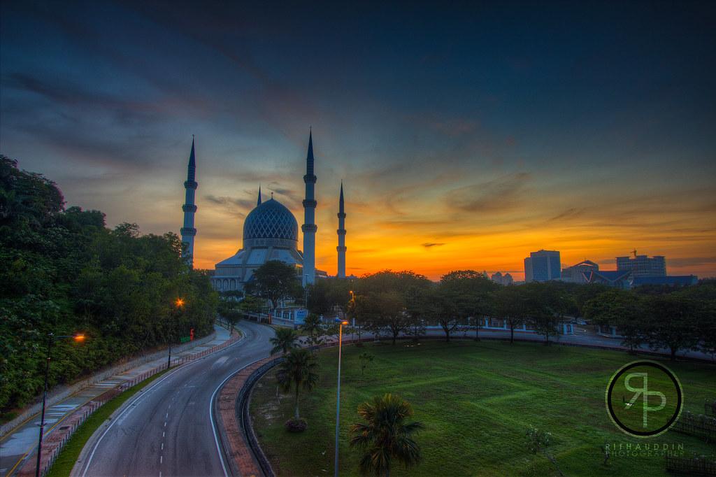 Sunrise at Masjid Sultan Salahuddin Abdul Aziz Shah