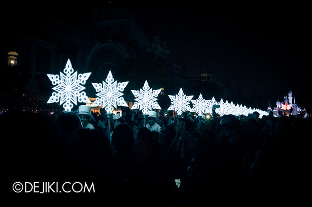 HKDL - Christmas Illumination - Snowflakes