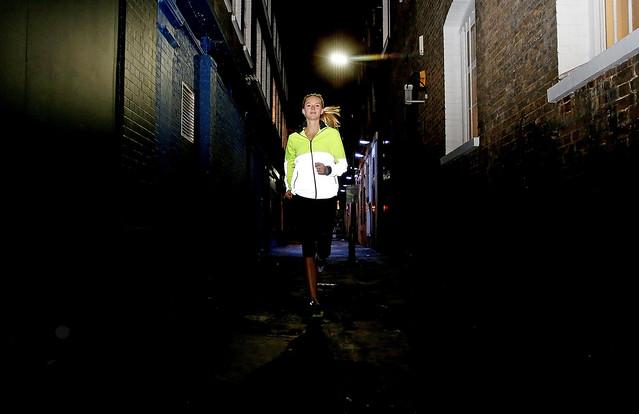 453542461SH00110_Nike_Flash