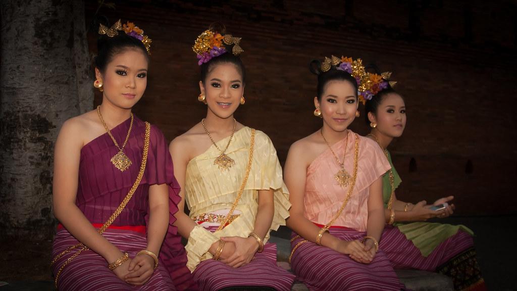 2013-11-17 Thailand Day 10, Chiang Mai Yee Peng Festival 2013