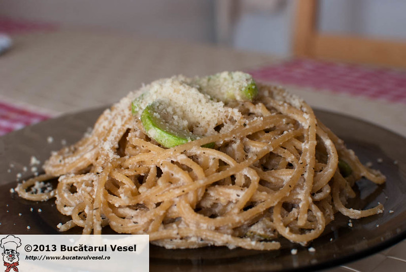 Almond garlic pasta