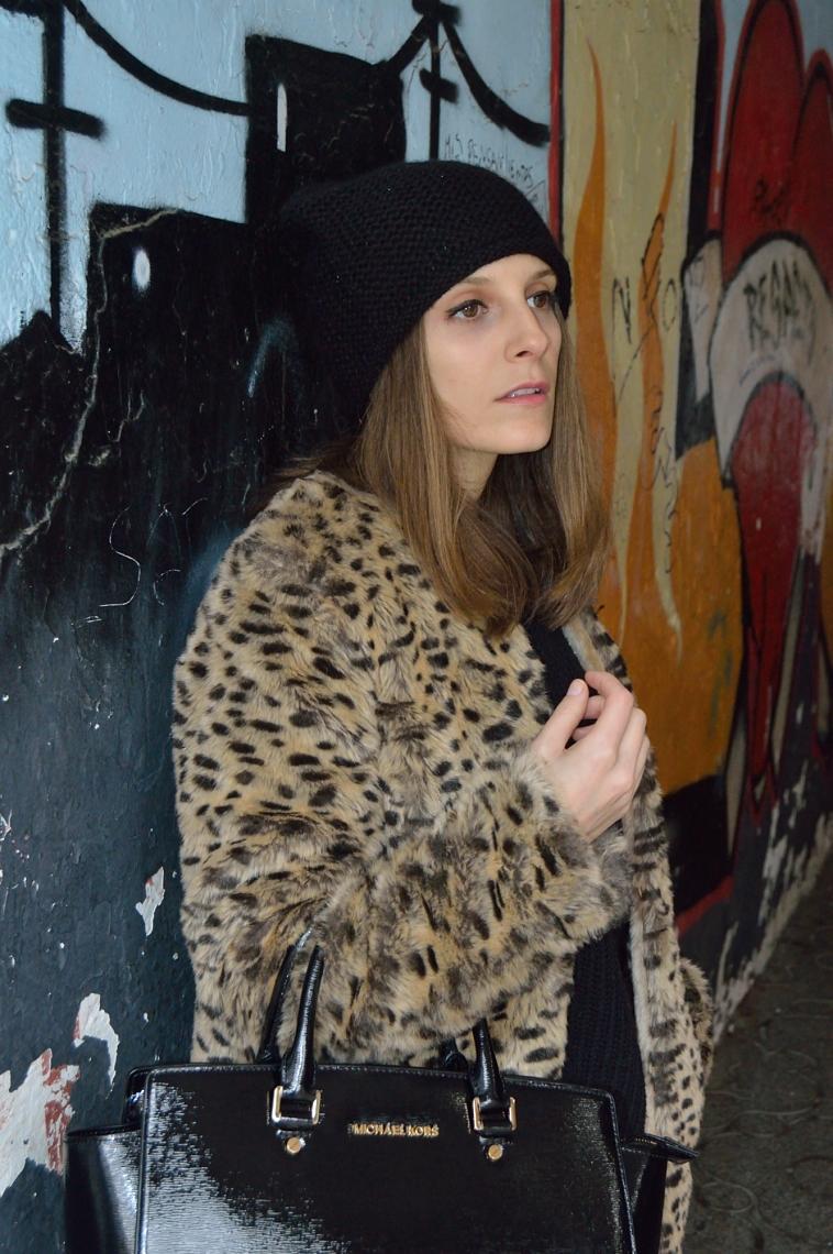 lara-vazquez-madlula-blog-black-beanie-leo-coat