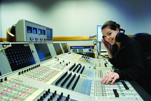 Anna Marcangelo, Technical Theatre Apprentice © ROH / Sim Canetty-Clarke 2013