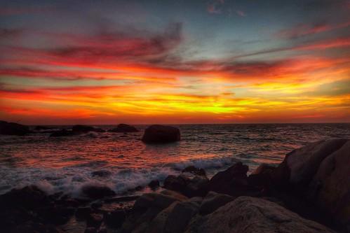 ocean leica sunset sea sky sun india beach night clouds bay sand cloudy indianocean hdr cloudporn bayofbengal skyporn
