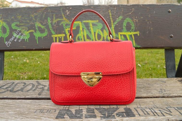 lara-vazquez-madlul-red-bag-details-bimbaylola