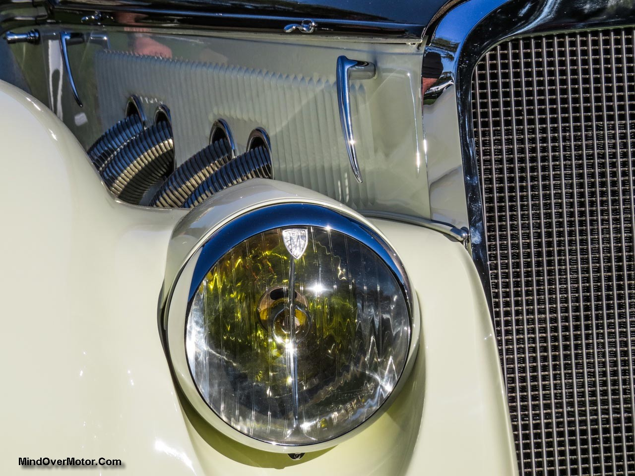 Delage D8 120S Headlight Right