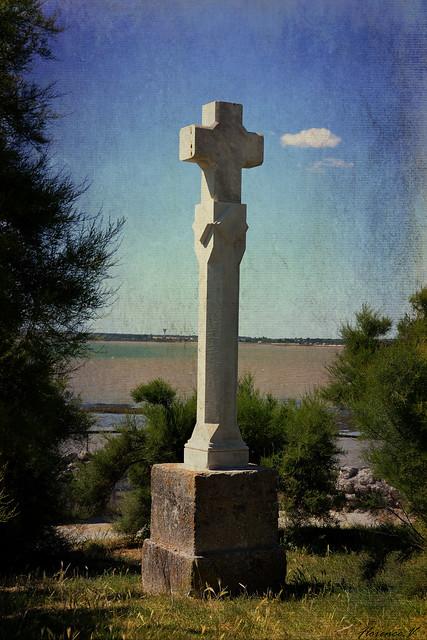 La croix du front de mer, Talmont