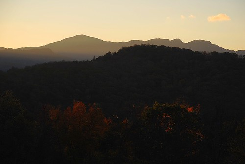 blueridgemountains northcarolina morninglight sunrise shadow contrast photographybychristopherstrickland nikond40x grandfathermountain elkvalley unitedstatesofamerica southernappalachian highcountry fineart landscape
