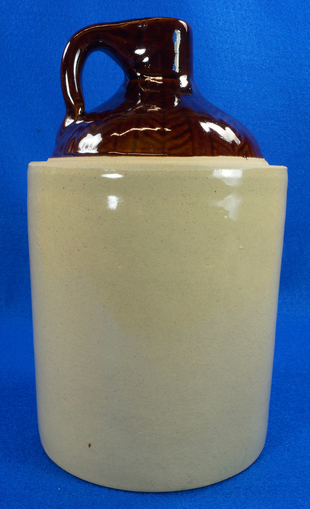 RD14420 Antique Stoneware Crock 1 Gallon Shoulder Whiskey Jug with Top Wheat Pattern DSC06204