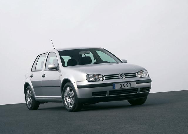 Volkswagen-Golf_IV_1997
