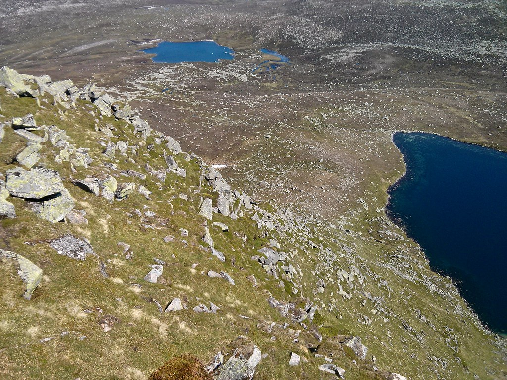 Looking down on the Stuic buttress