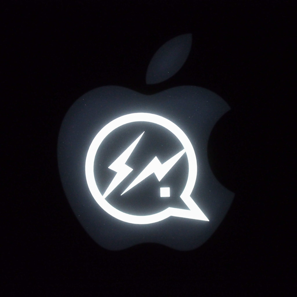 MacBook Pro + DENIM BY VANQUISH & FRAGMENT | Stencil light sticker