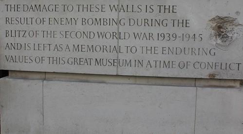 V&A Museum: Danni della II Guerra Mondiale