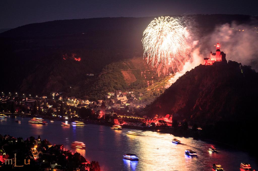 16. Fuegos artificiales en el Rin, entre Spay y Coblenza. Autor, Mlufotos