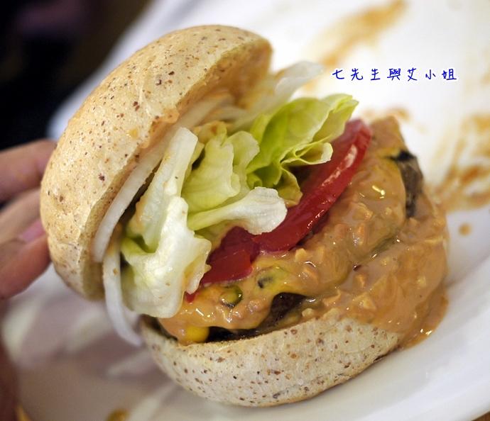 16 松山文創園區 PHAT Burger