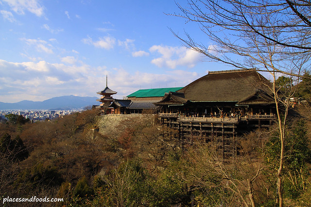 Kiyomizudera (清水寺)Temple full view