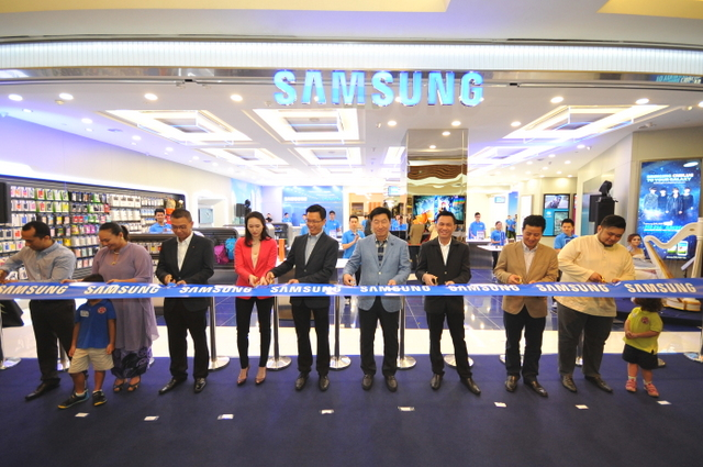 Samsung Introduces A New Retail Experience In Malaysia